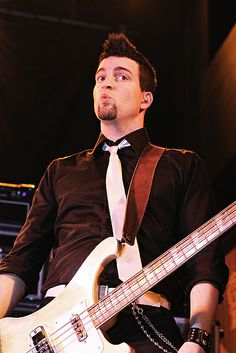 Mike Ayley (Marianas Trench)