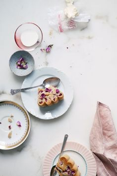 Rhubarb and rose cake / Cannelle et Vanille//