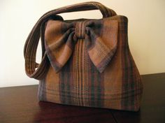 I LOVE this purse you can sew from remnants or an old skirt or jacket, etc. ! Wool Bag