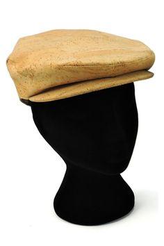 Stylischer Catalan-Hut aus Kork. 100% vegane Kopfbedeckung. Dein natürliches Kork Accessoire für jedes Wetter. Wasserabweisendes Korkleder. Handgefertigt in Portugal. Faire Mode für Sie und Ihn. www.korkeria.ch   #kork #hut #korkhut #vegan Portugal, Accessories, Headboard Cover, Weather, Handmade