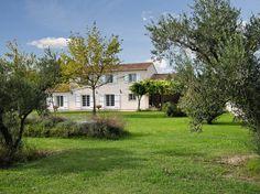 """Schau Dir dieses großartige Inserat bei Airbnb an: """"Villa Noves"""", bezauberndes Landhau - Häuser zur Miete in Noves"""