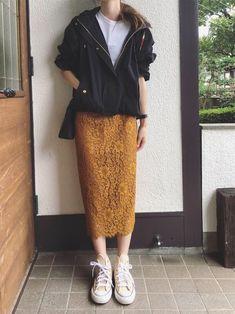 レースタイトスカート➕マウンテンパーカー スカート は38 ちょっとサイズ大きかったです。 パ Hipster Fashion, Hijab Fashion, Fashion Beauty, Fashion Outfits, Womens Fashion, Casual Trendy Outfits, Modest Outfits, Cool Outfits, Japanese Fashion