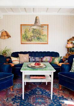 Hemma hos: Blomstrande blandning i sommarparadiset   Elle Living Spaces, Living Room, Boho Life, Outdoor Furniture Sets, Outdoor Decor, Dream Decor, Elle Decor, Bohemian Decor, Cottage