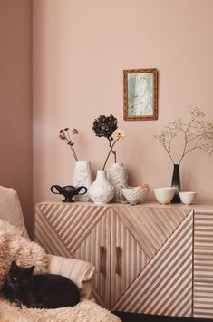 Would you go nude? - The interiors trend that's barely there - Nude Walls Would you go nude? - The interiors trend that's barely there - Nude Walls Bedroom Wall Colors, Bedroom Decor, Pastel Home Decor, Pastel House, Pink Walls, Pastel Walls, Blush Walls, Neutral Walls, Neutral Tones