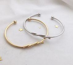 High quality bangle Aldo Jewelry, Jewelry Bracelets, Bangles, Link Bracelets, Indian Jewellery Online, Indian Jewelry, Fashion Jewelry, Women Jewelry, Claddagh Rings
