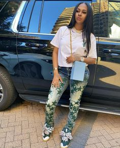 Super Mom, Aesthetic Fashion, Weave Hairstyles, Pretty Outfits, Capri Pants, Fashion Outfits, Stylish, Hair Styles, Fitness