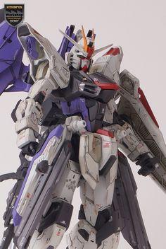 1/100 MG Freedom Gundam 2.0