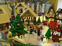 Vánoční hračkárna (rok 2009, 815 dílků; č. 10199). Foto: Filip Vlček.