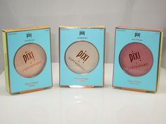 Pixi + Aspynovard Glow-y Powder ($16) is a new mineral highlighter that launched in three shade selections which were created in collaboration with Aspyn, a beauty and lifestyle youTube guru. Pixi started tweeting about these a few months ago and did some Instagram sneak peeks as well and one of the shades that caught my […] The post Pixi Glow-y Powder Review & Swatches appeared first on Musings of a Muse. :: Beauty