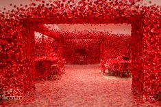 Yayoi Kusama's Obliteration Room Takes Over the National Gallery of Victoria With Red Flowers Yayoi Kusama, Installation Interactive, Street Installation, Snowflake Images, National Gallery, Colossal Art, Futuristic Art, Action Painting, Japanese Artists