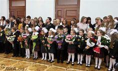 Украинцы будут учиться в школе 12 лет http://news.liga.net/news/society/14145143-ukraintsy_budut_uchitsya_v_shkole_12_let.htm  Кабинет министров утвердил новшество Министерства образования, согласно которому получить полное среднее образование в Украине можно будет за 12 лет