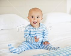 6 month baby picture ideas | Baby boy (6-11months) sitting on bed with ... | 6 month photo ideas