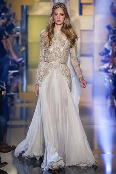 See the complete Elie Saab Fall 2015 Couture collection.