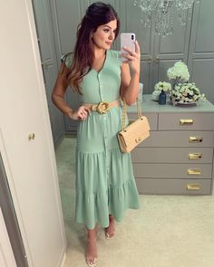 {Friday} De vestido lançamento da marca @milalaioficial 🥰 Nova cor do moment Lovely Dresses, Beautiful Outfits, Skirt Outfits, Dress Skirt, Modest Fashion, Fashion Dresses, Casual Dresses, Summer Dresses, Floral Maxi Dress