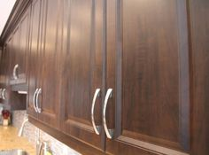Chocolate-pear profiled MDF kitchen cabinet doors