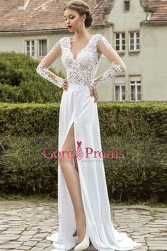 2016 Long Sleeves V Neck Prom Dresses With Applique And Slit Chiffon