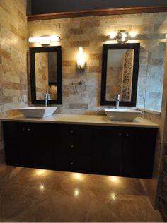 Stone on wall & undercabinet lighting
