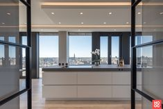 Penthouse with luxury interior, located in The Hague. The very versatile Martin van Essen Kitchens & Interiors has provided the … Kitchen Design Open, Luxury Kitchen Design, Open Concept Kitchen, Luxury Kitchens, Kitchen Modern, Made Design, Küchen Design, House Design, Home Interior