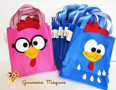 Sacolinha Galinha Pintadinha Handmade Kids Bags, Ideas Para Fiestas, Fiesta Party, Girls Bags, Animal Pillows, Baby Party, Baby Birthday, Party Gifts, Party Themes