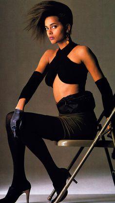 Gilles Bensimon for Elle magazine, September 1987. Clothing by Giorgio Sant'Angelo.