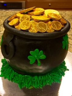 My pot of gold! By Tu-Tu's Cupcakery Pot Of Gold, Planter Pots, Goodies, Happy, Sweet Like Candy, Gummi Candy, Plant Pots, Happiness