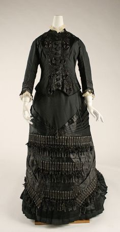 Mourning Dress - 1880 - The Metropolitan Museum of Art