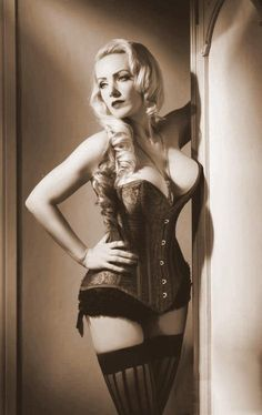 Retro corset - YUM! picture for the groom