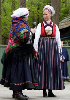 Magasin for Bunad og Folkedrakt Folk Costume, Costumes, Scandinavian, Harajuku, Anna, Victorian, Norway, Dresses, Om