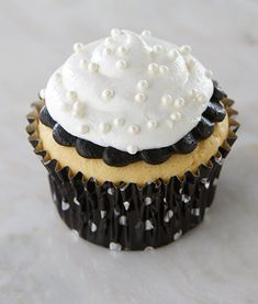 Meringue Go Round Cute Cupcakes 24 Paper Cupcake Cups & Picks Toppers New Baking Accs. & Cake Decorating Home & Garden