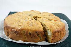 Torta soffice integrale alle pere con pinoli / Wholewheat pear & pine nuts cake recipe | Breakfast at Tiffany's