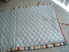 tute for making a portable ironing pad-I hate dragging out my ironing board for sewing projects and would love to have this right next to my work station for convenience. Diy Ironing Board, Ironing Pad, Quilting Tips, Quilting Projects, Sewing Projects, Sewing Hacks, Sewing Tutorials, Sewing Patterns, Sewing Tips