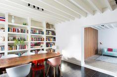 de boekenkast, de tegels en de vloerscheiding tussen beide zones!!
