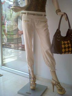 pantalon  elaborado en  olan  de lino  ref 123648