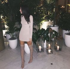 Love the dress. Would pair this look with different shoes though.