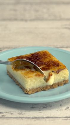Fun Baking Recipes, Sweet Recipes, Dessert Recipes, Creme Brulee Cheesecake Bars, Cheesecake Recipes, Just Desserts, Delicious Desserts, Yummy Food, Tiny Food