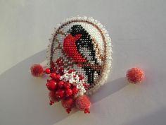Beaded Brooch, Beaded Jewelry, Crochet Earrings, Beaded Flowers, Ornament Wreath, Bead Art, Beaded Embroidery, Jewelery, Bird