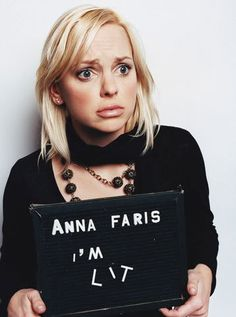 Celebrity Crimes: Anna Faris - I'm Lit Jessica Rothe, Allison Janney, Anna Faris, Hugh Grant, Celebrity Photography, People Of Interest, Mug Shots, Girl Humor, New Trends