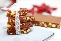 Turrón de chocolate con avellanas, pistachos... | Velocidad Cuchara