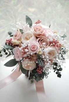 Simple Wedding Bouquets, Bridal Bouquet Pink, Wedding Flower Arrangements, Bride Bouquets, Bridal Flowers, Flower Bouquet Wedding, Bridesmaid Bouquet, Dusty Rose Wedding, Floral Wedding