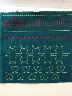 Easy Crafts, Diy And Crafts, Art Projects, Projects To Try, Swedish Embroidery, Swedish Weaving, Textile Fabrics, Little Ones, Needlework