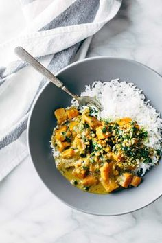 Creamy Thai Sweet Potato Curry - spinach and sweet potatoes covered with a velve. Creamy Thai Sweet Potato Curry - spinach and sweet potatoes covered with a Curry Recipes, Veggie Recipes, Indian Food Recipes, Asian Recipes, Vegetarian Recipes, Cooking Recipes, Healthy Recipes, Vegan Vegetarian, Vegetarian Dinners