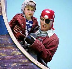 Johnny Depp Pictures, Johnny Depp Movies, Finding Neverland, Peter Pan, Beautiful Men, Ronald Mcdonald, Tumblr, Fictional Characters, Hat