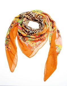 Schal aus Viskose.  Weich fließend, mit wunderschönem Floral- und Animalprint.