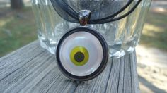 Creepy Eyeball Necklace, Halloween fun for Teens and tweens $10 #thecraftstar