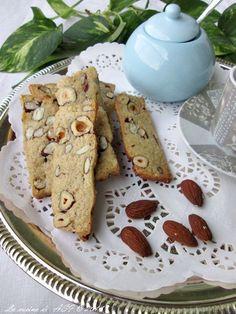 Le fettine del faraone sono biscotti molto buoni che si prestano ad essere fatti con frutta secca cioccolato e molto altro Ricetta biscotti La cucina di ASI