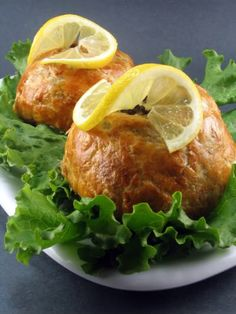 One Perfect Bite: Beef or Chicken Wellington - Recipes to Rival Challenge Turkey Recipes, Beef Recipes, Chicken Recipes, Cooking Recipes, Lunch Recipes, Appetizer Recipes, Cooking Tips, Appetizers, Healthy Recipes