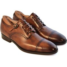With its dinstinctive leather lace design, The Monte is truly unique. It features derby design with a cap toe, and is Bologna Blake welted making for a comfort