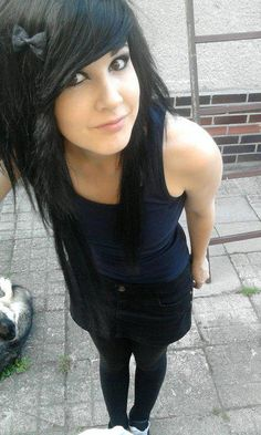 #black #dyed #scene #hair #pretty