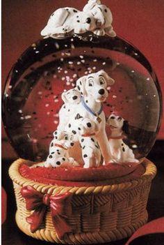 Disney Dalmations Basket Snowglobe