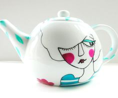 I LOVE THIS TEAPOT